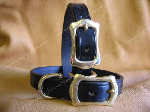 traditional leather collar with crown buckle